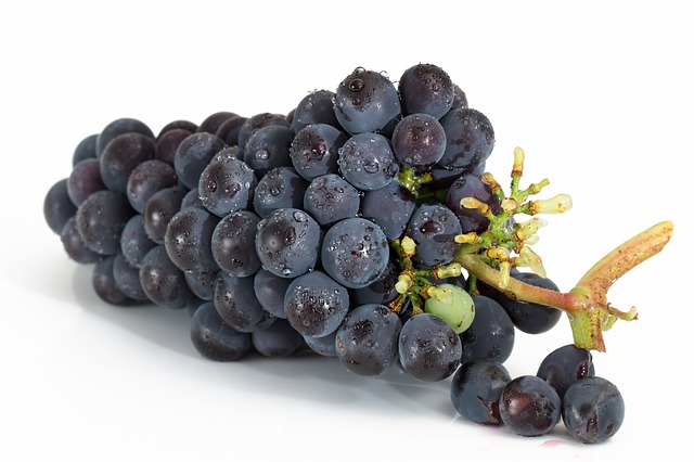 best herbs for high blood pressure - grapes